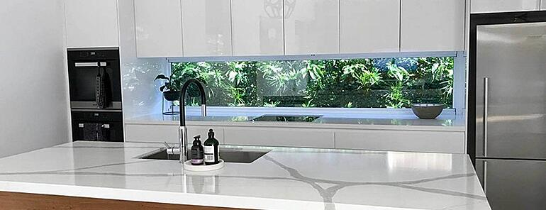 Kitchen splashback green wall
