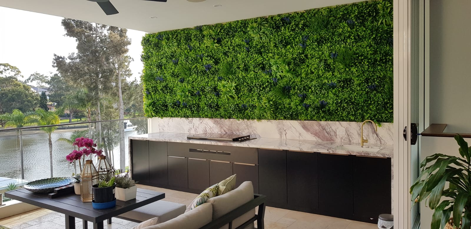 balcony feature wall residential-min-1